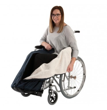 Fleece lined leg warmer for wheelchairs