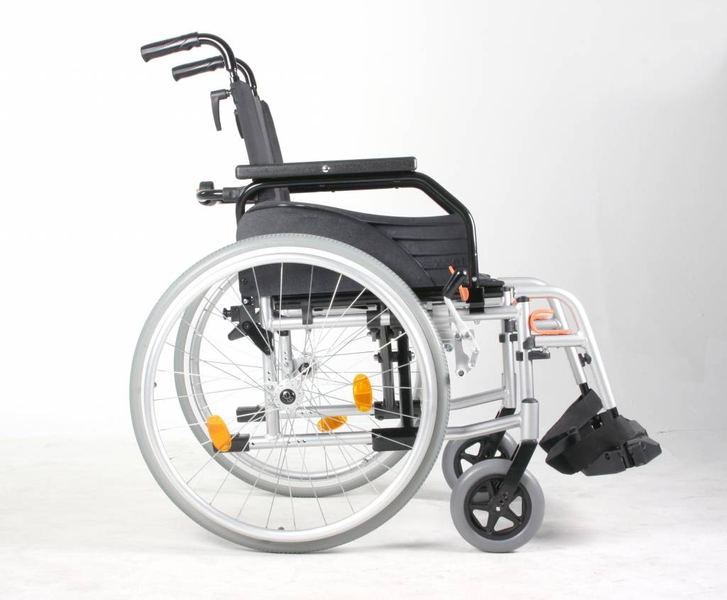 lightweight aluminium wheelchair at low prices uk wheelchairs. Black Bedroom Furniture Sets. Home Design Ideas